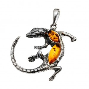 Silver pendant with amber- lizard